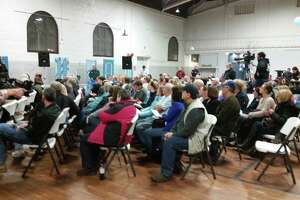 Hoosick Falls mayor tries to calm village residents - Photo