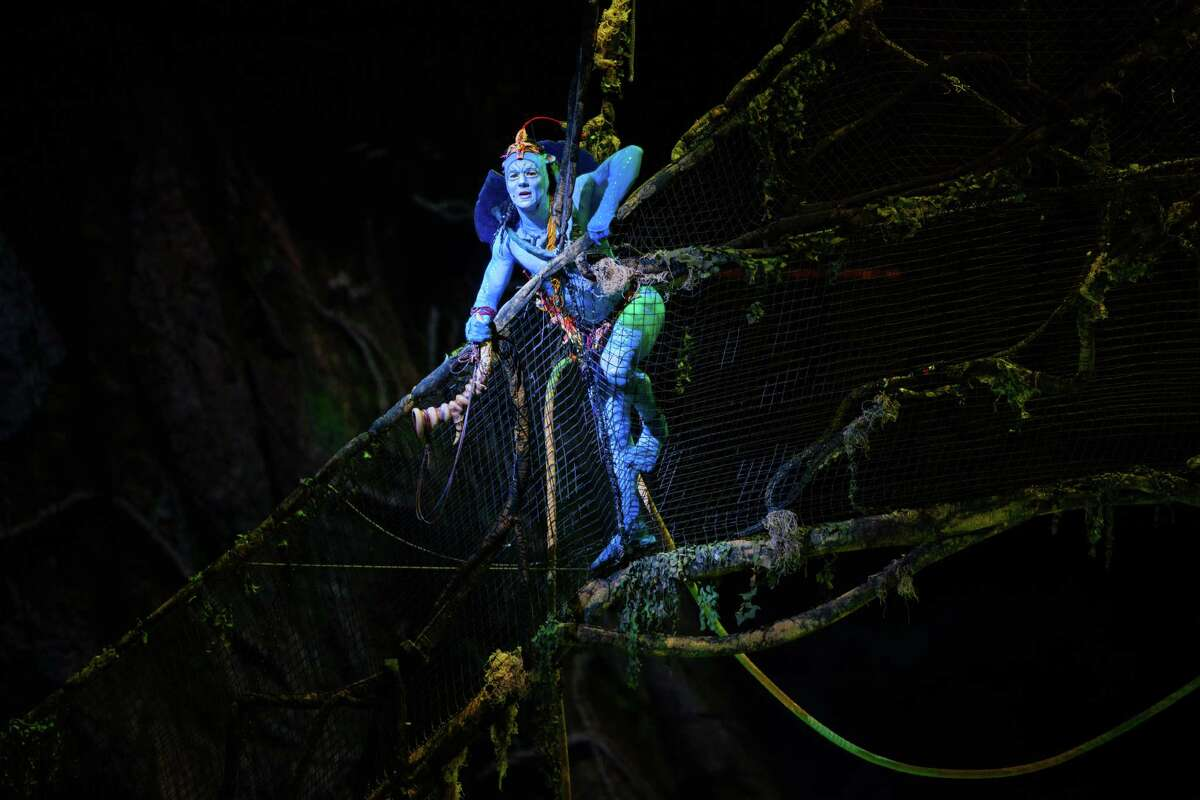 """Fans of the movie """"Avatar"""" will recognize the creatures who populate """"Toruk,"""" the latest touring arena spectacle from Cirque du Soleil."""