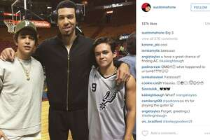 San Antonio native, pop star Austin Mahone supported the Spurs at their game against the Heat - Photo