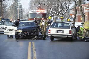 Driver, 97, injured in collision with Saratoga Springs cop car - Photo