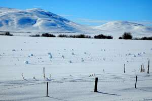 Rare weather event produces spontaneous snowballs in Idaho - Photo