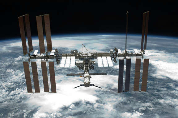 Webster-based NanoRacks wants to build a larger multipurpose air lock for the International Space Station.