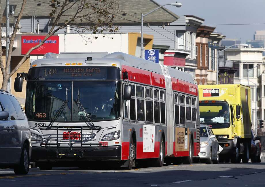 Who still uses cash to ride Muni in San Francisco? Photo: Paul Chinn, The Chronicle