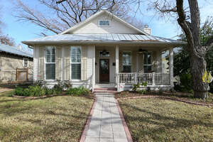 Old-house charm in a brand-new package in New Braunfels - Photo