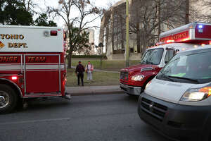 Suspicious package forces evacuation of sparsely occupied federal courthouse - Photo