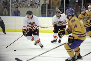 Michael Bievenue has first two-goal game to help Bethlehem hockey rally past CBA - Photo