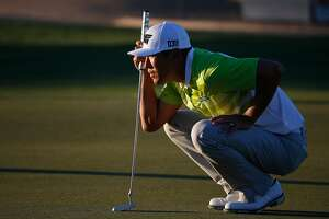 Cal alum James Hahn works on swing for Pebble Beach Pro-Am - Photo