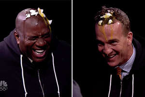 Peyton Manning and Magic Johnson's head-to-head battle - Photo