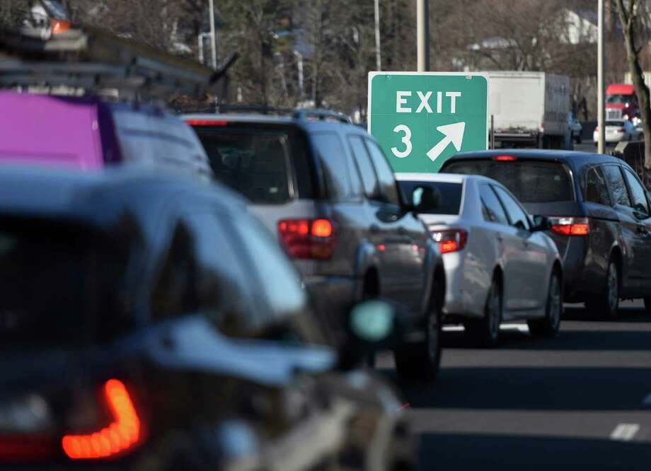 Traffic backs up on I-95 at Arch Street Exit 3 in Greenwich, Conn. Thursday, Feb. 11, 2016. Traffic frequently backs up from the exit ramp onto the highway during rush hour at the Arch Street exit. Photo: Tyler Sizemore, Hearst Connecticut Media / Greenwich Time