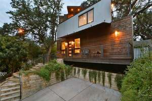 Luxurious Austin treehouse-style bungalow offers bird's eye views of the city to match - Photo