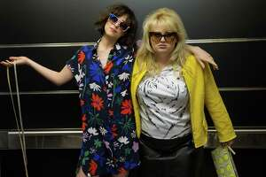 Review: 'How to Be Single' is over before it's over - Photo