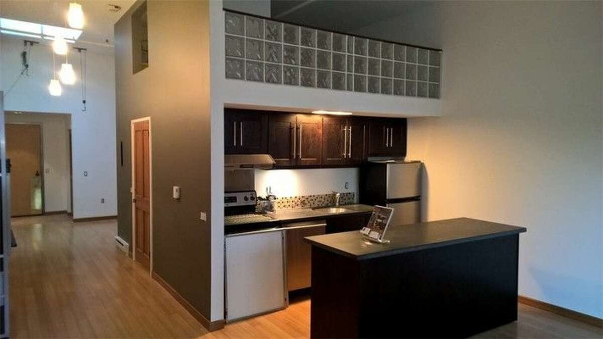 The kitchen in 1119 1st Ave. #404
