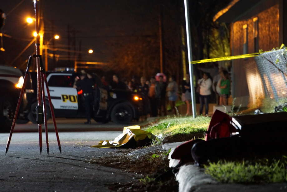 A man was shot fatally in the back as he ran from an alleged drug deal Thursday night on the West Side in the 600 block of North Picoso. Photo: Jacob Beltran