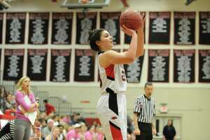 Osborne, Warde girls dominate Ludlowe - Photo