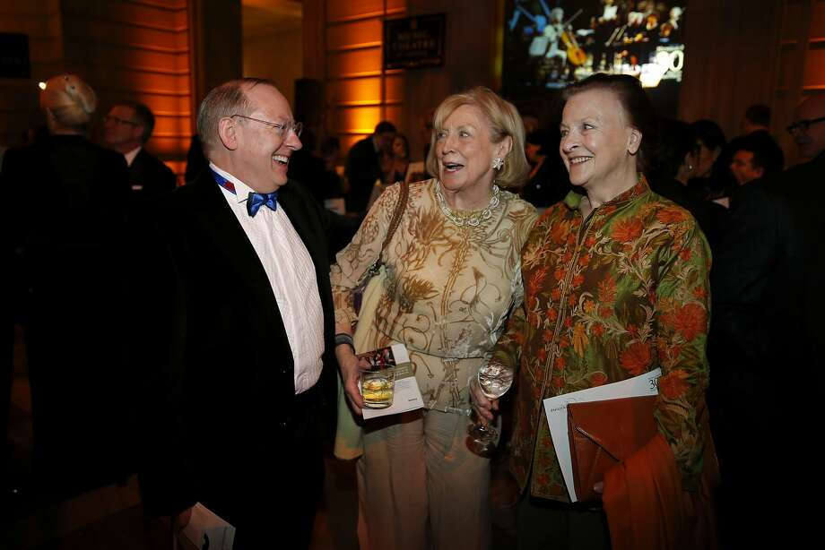 Nicholas McGegan (left), Marie Collins and Blanche Streeter chat during a gala celebrating the 30th anniversary of the Philharmonia Baroque Orchestra's music director McGegan at San Francisco City Hall on Thursday, Feb. 11, 2016. Photo: Connor Radnovich, The Chronicle