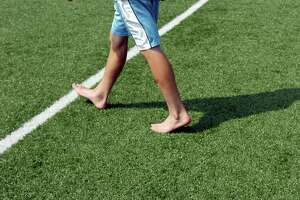 Blumenthal lauds study about health risks of sports fields with recycled tire crumb - Photo