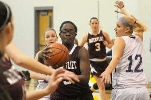 Friday's Section II Basketball Playoff Scoreboard - Photo