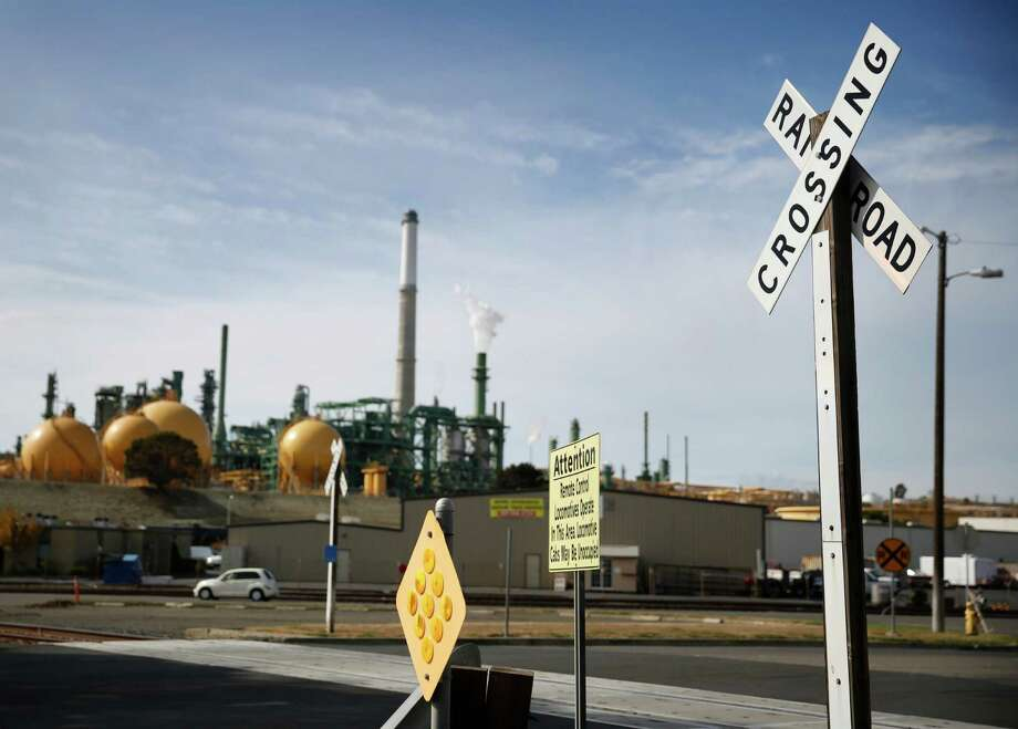 The Valero refinery in Benicia, Calif., is seen in the background. Photo: San Francisco Chronicle File Photo / ONLINE_YES