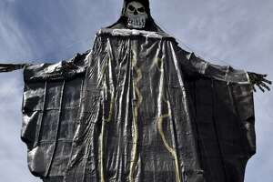 Devotion to death saint continues during pope's Mexico trip - Photo