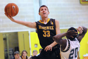 Brunswick basketball team comes back to beat Hamden Hall - Photo