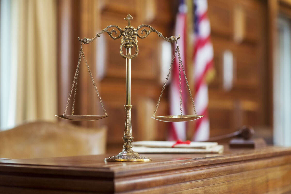 Scales of justice on the judgeÃ?'Â•s bench