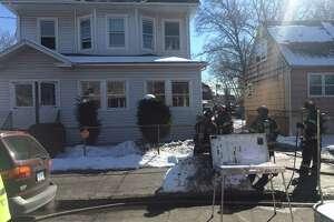 10 homeless after Bridgeport house fire - Photo