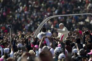 Pope highlights needs of poor in stern message to Mexican leaders - Photo