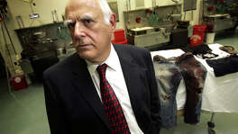 """Former Bexar County Chief Medical Examiner Dr. Vincent Di Maio, seen in 2006, said the Texas Forensic Science Commission """"concluded that bite marks should not be admitted in criminal cases at this point."""""""