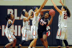 Stamford girls hand Warde first league loss - Photo