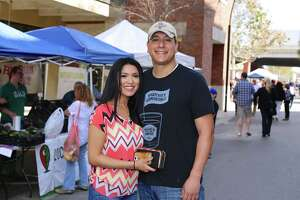 Photos: Pearl Farmers Market was full of Valentine's shoppers - Photo
