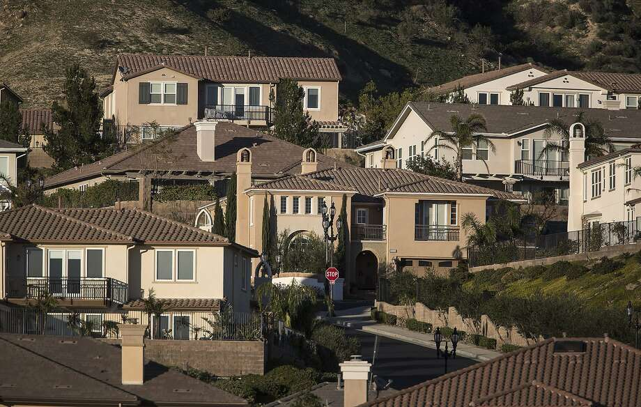 The Aliso Canyon leak didn't kill anyone, but it did seriously disrupt the lives of 4,645 households near the SoCalGas storage facility in the Porter Ranch neighborhood of Los Angeles. Photo: Brian Van Der Brug, McClatchy-Tribune News Service