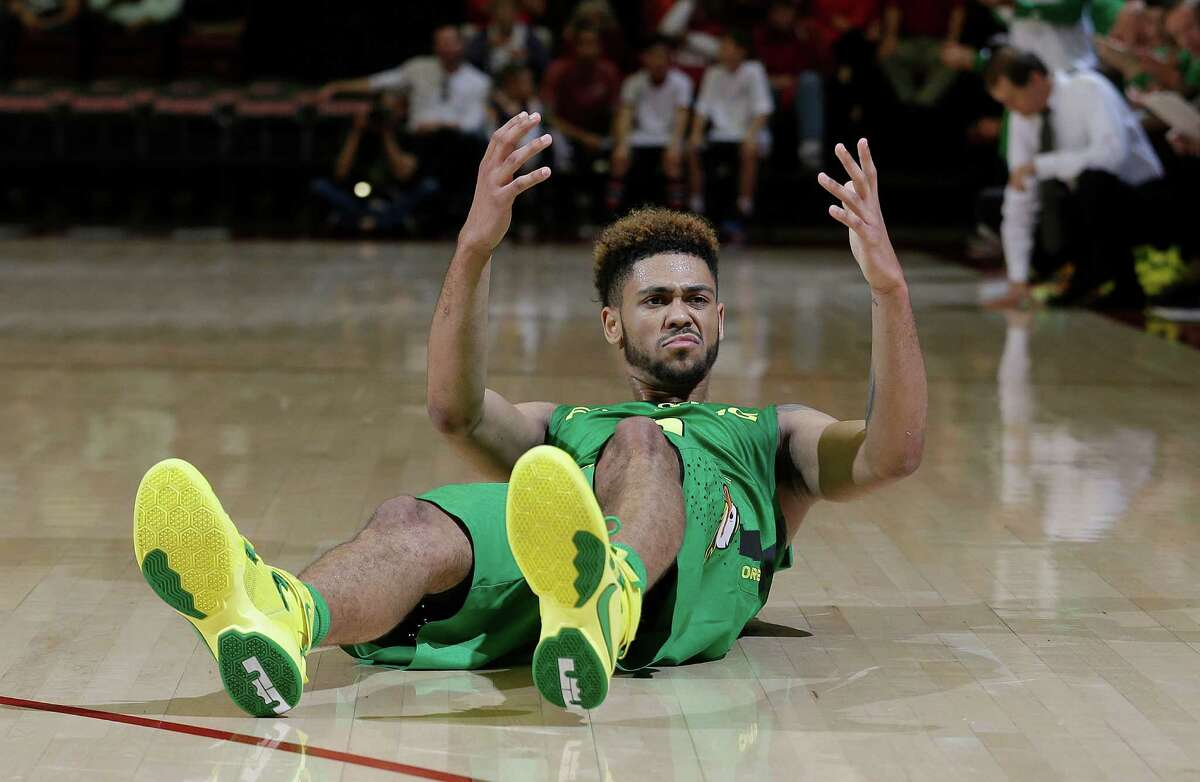 2. Oregon still sits at the top of the Pac 12, but suffered losses to California and Stanford last week, putting the Ducks in prime position to be ousted by Arizona or USC.