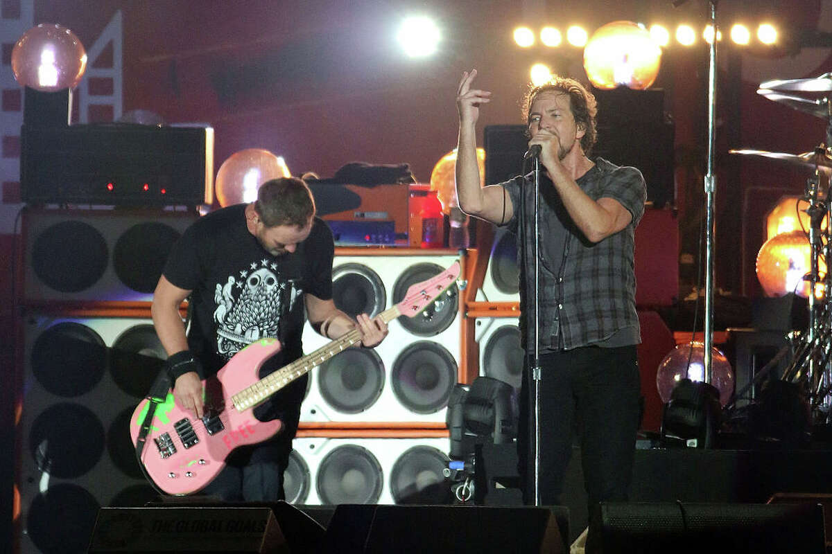 Who should go into the Rock and Roll Hall of Fame in 2017? Pearl Jam Why: Eddie Vedder grew into an elder statesman role with ease, and the band's catalog is still revered. Why not: There really is no 'why not' in this case, at least that we can think of. They seemed to have been groomed for this decades ago. Vedder inducted Neil Young into the hall in 1995 for crying out loud.
