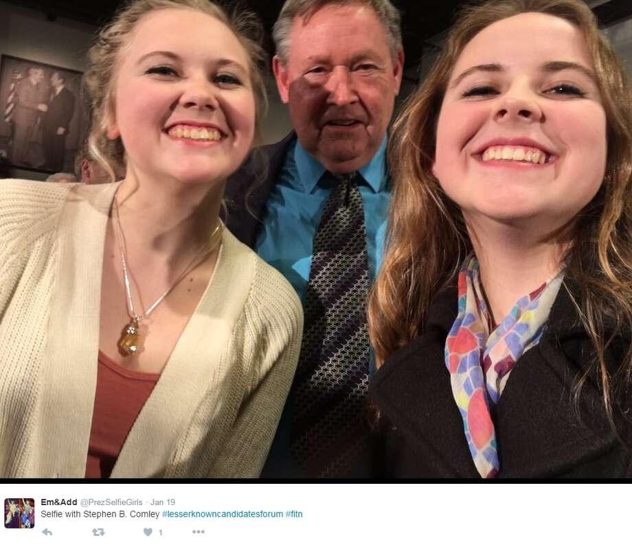 """Selfie with Stephen B. Comley #lesserknowncandidatesforum #fitn,"" @PrezSelfieGirls. Photo: Twitter.com/ @PrezSelfieGirls"