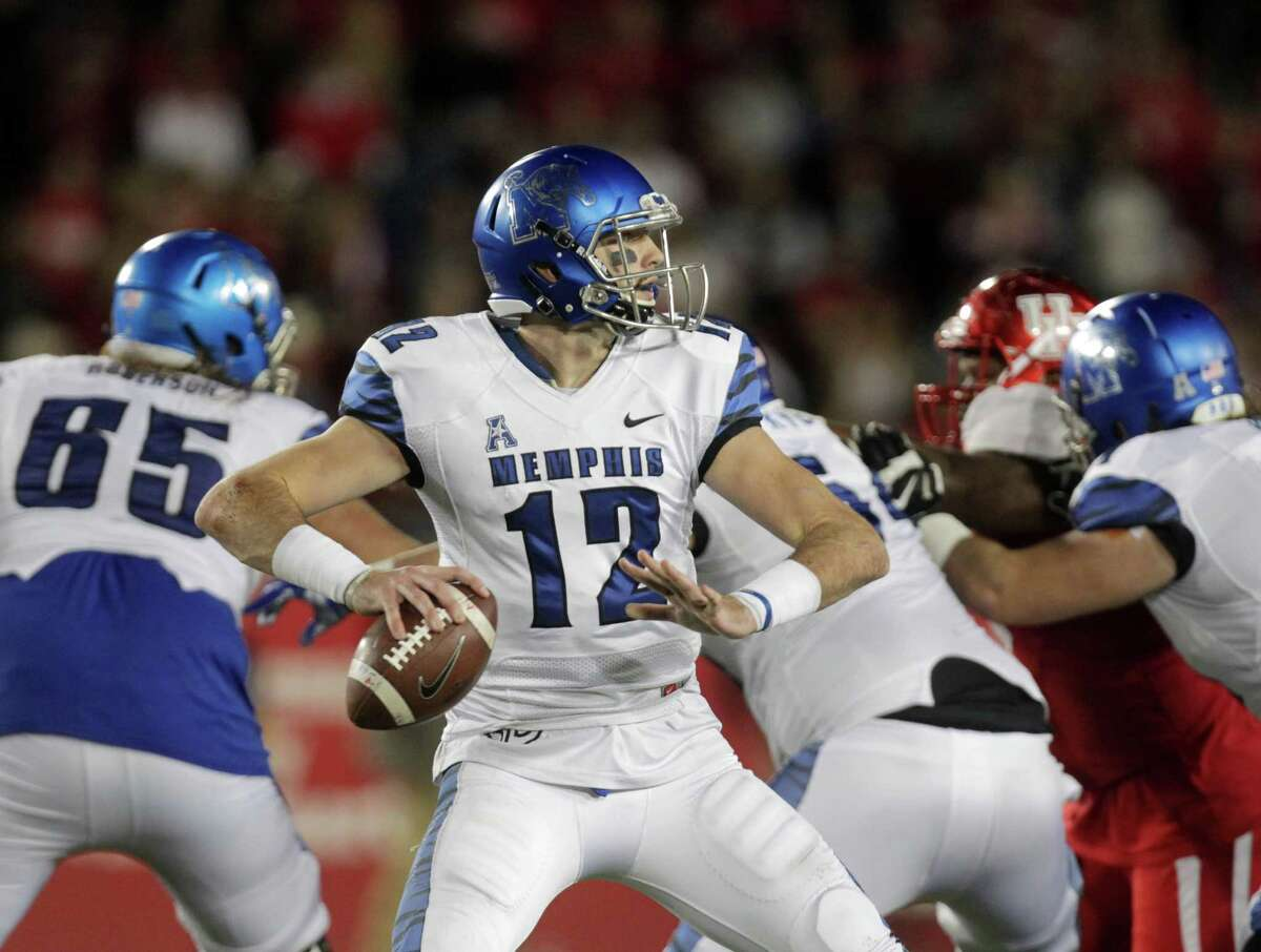 Paxton Lynch, Memphis Height/weight: 6-7, 244 40-yard dash: 4.81,  A terrific athlete who led his college team to national prominence with a 9-4 as a junior last season. Threw for 3,776 yards and 28 touchdowns with only four interceptions. Runs well and can throw on the move. Dynamic team leader, who's intelligent and coachable. Needs to improve mechanics and accuracy. Should go in the first round.