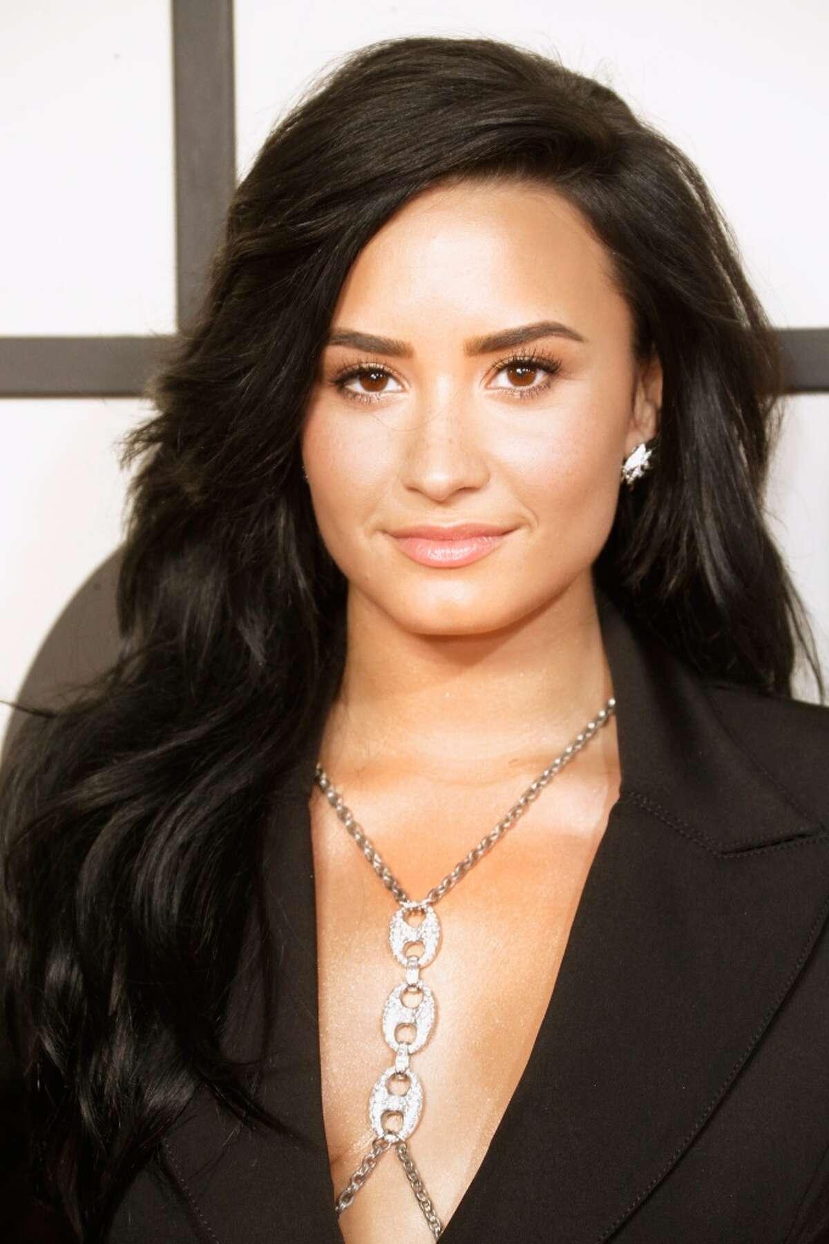 (Demi) Lovato 18,114thmost common Highest density in:El salvador Source:Forebears.io