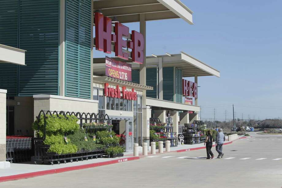 "H-E-B's, 3501 Clear Lake City Blvd. , Houston, Texas new 106,000-square-foot grocery store Tuesday, Feb. 16, 2016, in Houston. The store opens in Clear Lake on Wednesday, Feb. 17. H-E-B officials said they wanted to bring to Clear Lake a store of ""latest and greatest"" design. This adds H-E-B's presence in the area, which includes a smaller store converted from an old Albertson's five miles away. Photo: Steve Gonzales, Houston Chronicle / © 2016 Houston Chronicle"