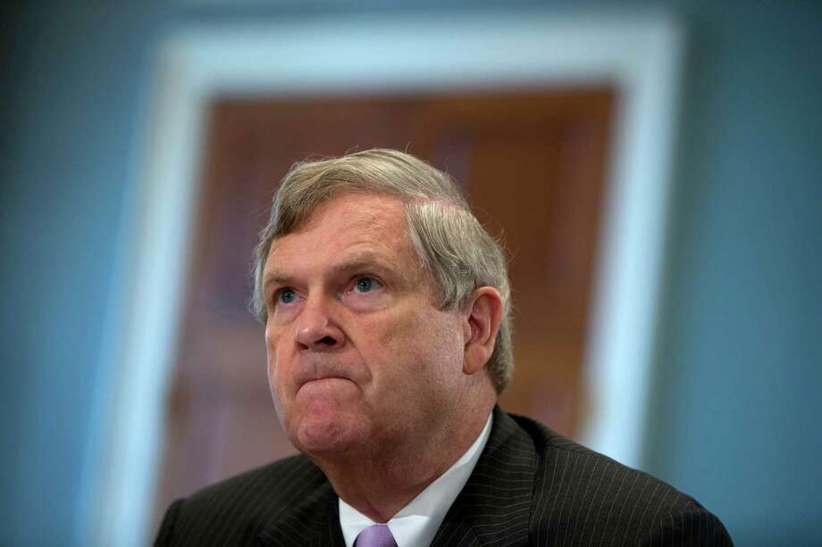 Agriculture Secretary Tom Vilsack, testifies on the 2015 Dietary Guidelines for Americans. Retailers that accept food stamps would have to start stocking a wider variety of healthy foods or face the loss of consumers under proposed rules announced by the Agriculture Department on Tuesday. Photo: Carolyn Kaster /Associated Press / AP