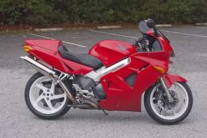 Decades of biking, VFR800 stands out - Photo