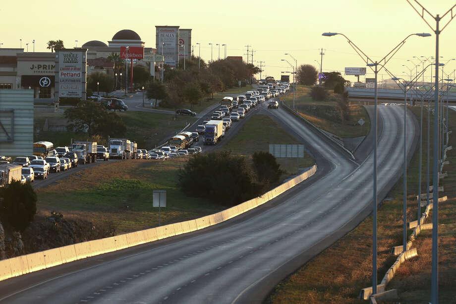 Loop 1604 shut down after 18-wheeler fire on San Antonio's ...