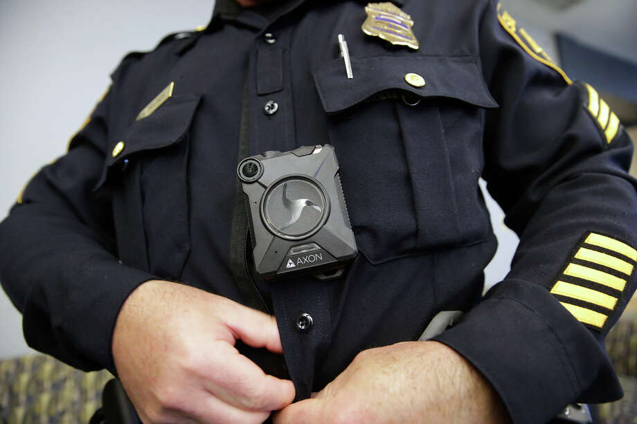 Sgt. Adam Zeldes displays the equipment as Chief William McManus and the SAPD reveal the new body camera to be worn by its officers during a demonstration session Wednesday morning at the Police Academy on February 17, 2016. Photo: TOM REEL, STAFF / SAN ANTONIO EXPRESS-NEWS / 2016 SAN ANTONIO EXPRESS-NEWS