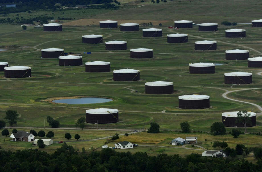 United States  crude oil, product stockpiles seen down last week