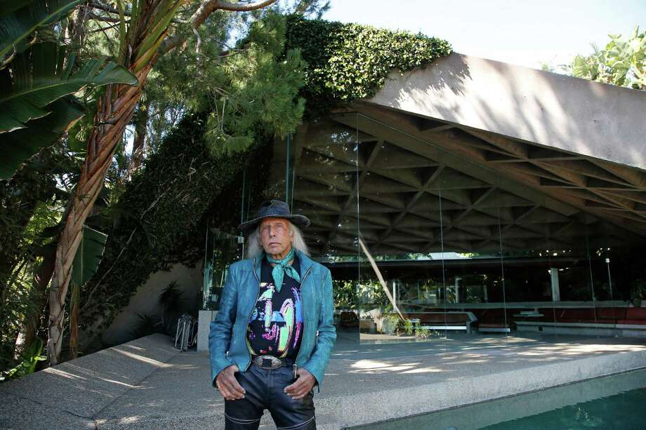 Homeowner Jim Goldstein is photographed at his John Lautner house in Beverly Hills. Photo: Katie Falkenberg, Los Angeles Times  /   © Los Angeles Times