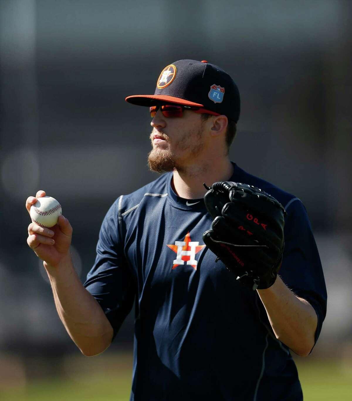 Houston Astros pitcher Ken Giles warms up during report day for Houston Astros pitchers and catchers at their Osceola County facility, in Kissmmee, FL, Thursday, Feb. 18, 2016. ( Karen Warren / Houston Chronicle )
