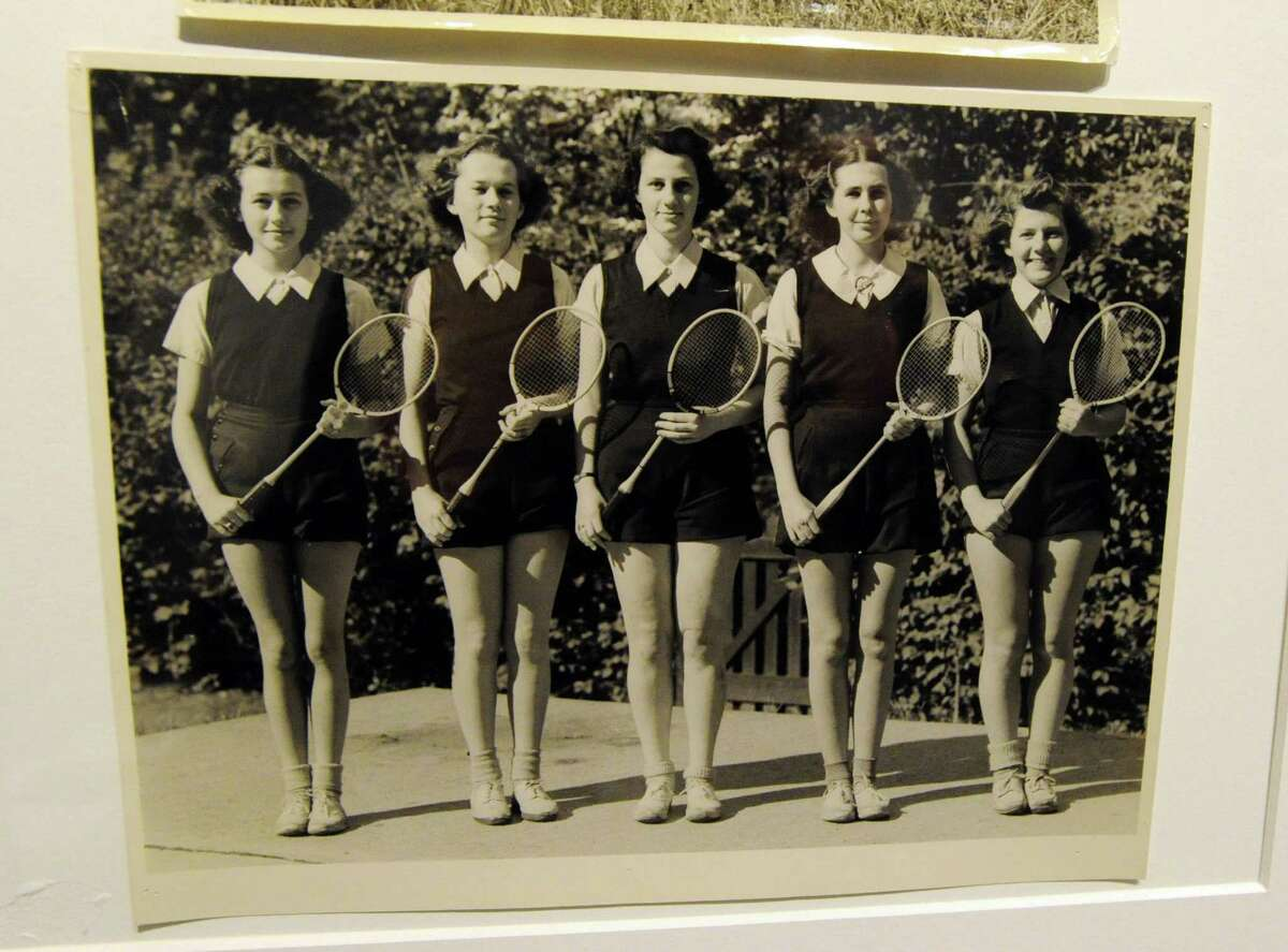 A photo of the Greenwich Academy badminton team from around 1930s in part of