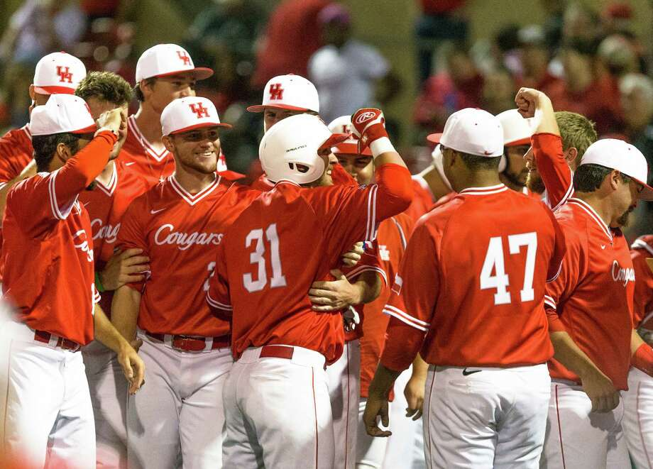 Despite a late surge from the Huskies to push the game into extra innings, the University of Houston opened its three-game series versus Connecticut with a nail-biting 6-5 win Friday night. Photo: Juan DeLeon, For The Chronicle / Houston Chronicle
