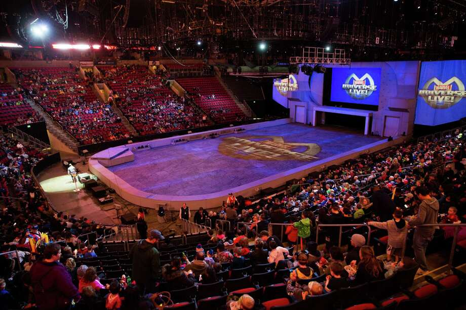 AEG plans to submit a proposal to renovate KeyArena and the company's facilities director says the deal could pencil out with or without an NHL or NBA team. Photo: GRANT HINDSLEY, SEATTLEPI.COM / SEATTLEPI.COM