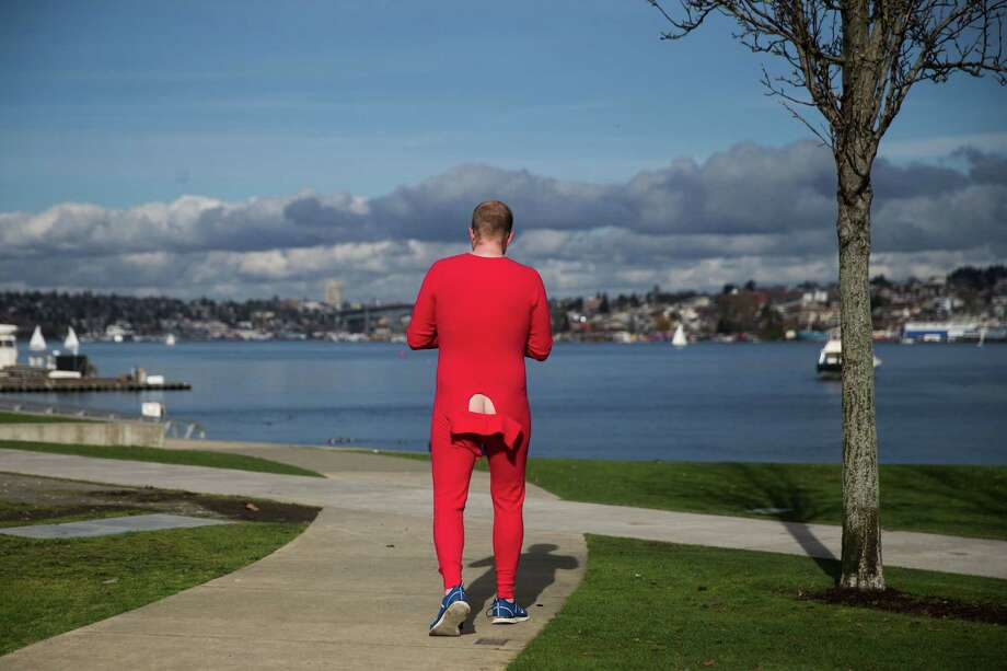 "Seattle, it turns out, is super ""walkable."" But recently released stats from Redfin-owned Walk Score show the city's neighborhoods aren't equal when it comes to strolling. Click through for a look at how Seattle's neighborhoods stack up in Walk Score. Photo: GRANT HINDSLEY, SEATTLEPI.COM / SEATTLEPI.COM"