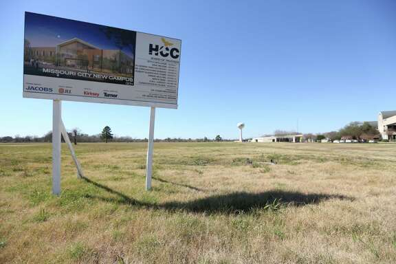 A sign near Missouri City Hall is the new location for the Houston Community College campus Wednesday, Feb. 17, 2016, in Missouri City. HCC is selling this Sienna Plantation campus and opening a new one on Texas Parkway. ( Steve Gonzales  / Houston Chronicle  )
