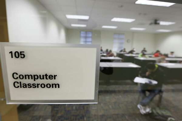 A classroom at Houston Community College Wednesday, Feb. 17, 2016, in Missouri City. HCC is selling this Sienna Plantation campus and opening a new one on Texas Parkway. ( Steve Gonzales  / Houston Chronicle  )